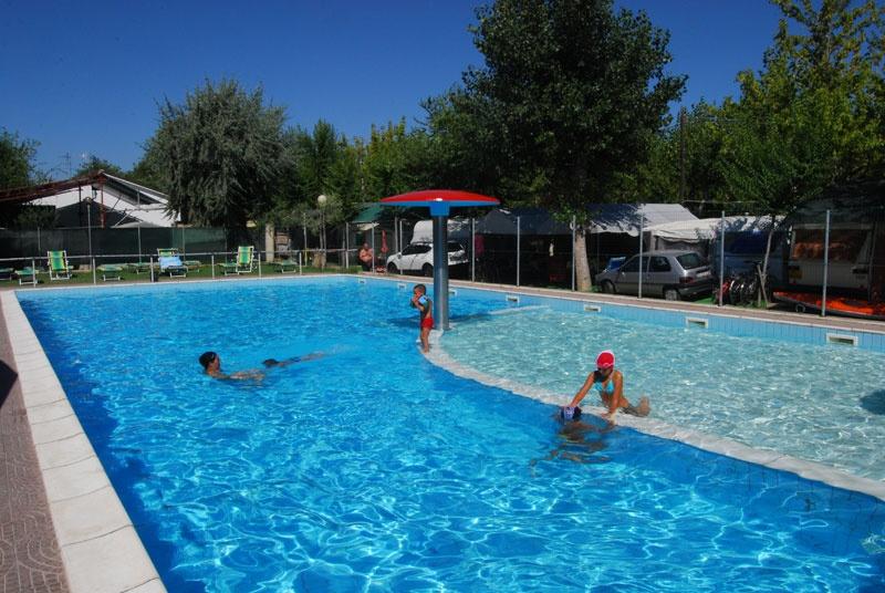 Camping con piscina in abruzzo village adriatico a giulianova teramo - Camping con piscina ...